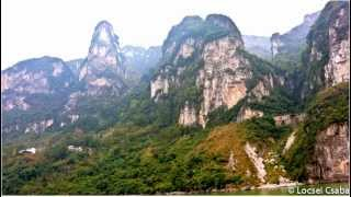 preview picture of video 'South China Tour with cruise on the Yang-Tze River - Xiling Gorge, Yichang'