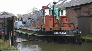 preview picture of video 'MSC Pelican (preserved crane barge)  Ellesmere Port Boat Museum 31st January 2009'