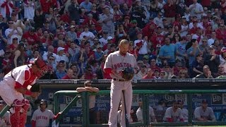 BOS@PHI: Victorino gets standing ovation in the 1st
