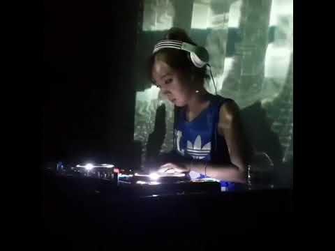 DJ Min Park (Korea) various performances (RAW)