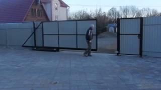 Видео о монтаже откатных ворот .