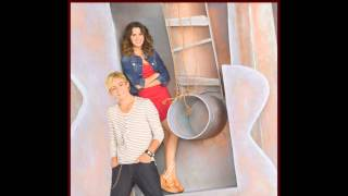 Austin Y Ally Upside Down (Subtitulada A Español)