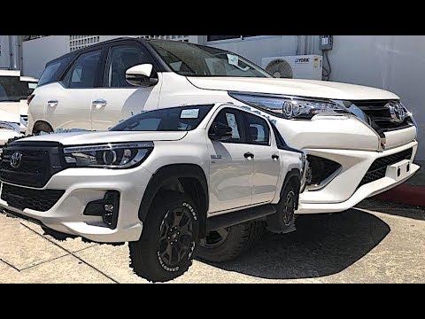 Toyota Fortuner 2018 & Toyota Hilux Rocco 2018, SUV VS Pickup