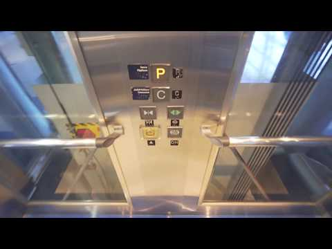 United Arab Emirates, Dubai Internet City metro station, 1X Mitsubishi elevator