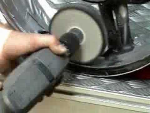 Felge auf Hochglanz polieren mit Bohrmaschine