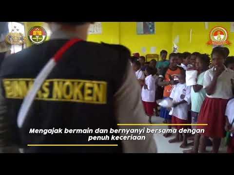 Polisi Binmas Noken Polri Pi Ajar di SD Inpres Kenyam Nduga Papua