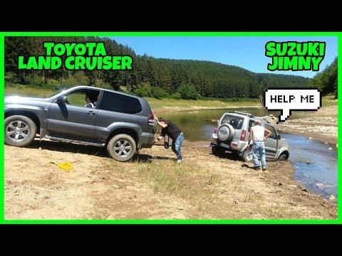 Suzuki Jimny in difficoltà, il Toyota Land Cruiser ce la farà?