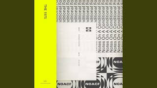 Musik-Video-Miniaturansicht zu Shiny Collarbone Songtext von The 1975