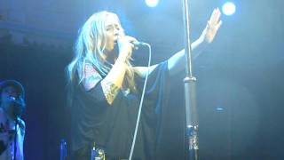 Anouk, Hold On live at Paradiso