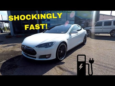 Muscle Car Enthusiast Test Drives A Tesla Model P85!