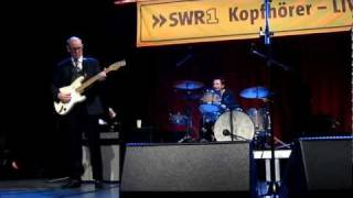 Andy Fairweather Low - Gin House Blues (live 2011)