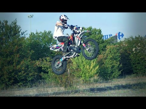 Husqvarna WR250 jumping around