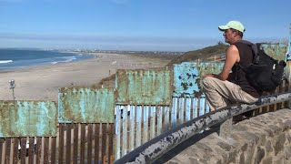 Migrants arrive at the Mexico-US border