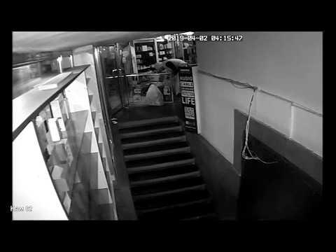 Գողություն խանութից (տեսանյութ)