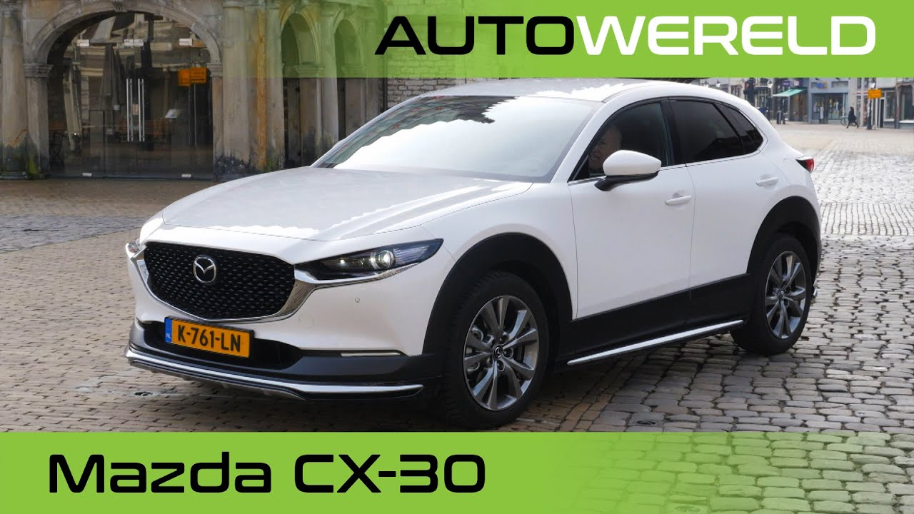 Mazda CX-30 (2021) review met Tom Coronel