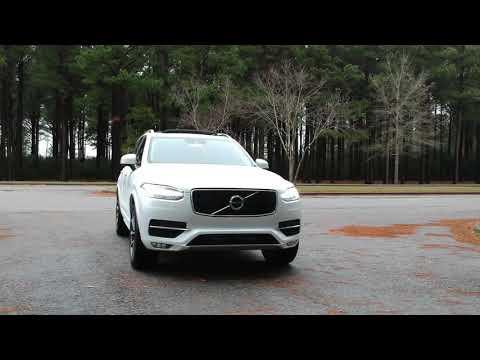 New 2019 Volvo XC90 T6 Momentum