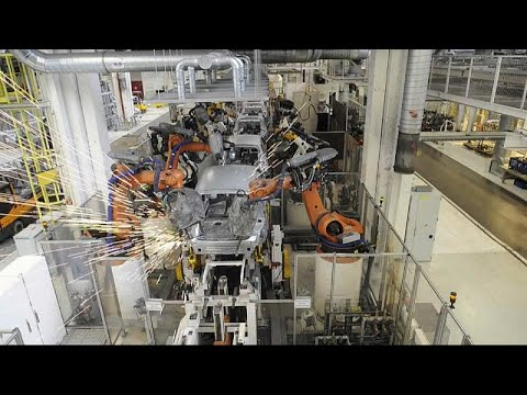 VW: Στροφή στην ηλεκτροκίνηση και περικοπή θέσεων εργασίας…