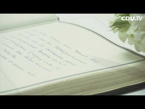 Kondolenzbuch fuer Helmut Kohl im Konrad Adenauer Haus   CDU