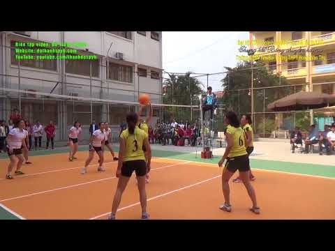 Chung kết bóng chuyền hơi nữ: Trường CĐSP Yên Bái-Trường THPT Hoàng Văn Thụ