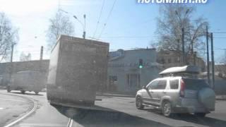 Правильное использование полосы с трамвайными путями