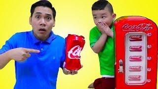 Lyndon Playing w/ Coca Cola Coke Vending Machine Toy for Kids