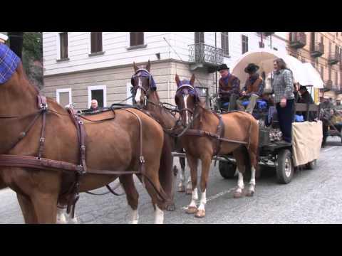 Preview video IVREA - Sagra del Bollito 2015 - La sfilata del mondo contadino