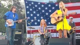 Lindsay Bruce and Kiersten sings Taylor Swift Mean