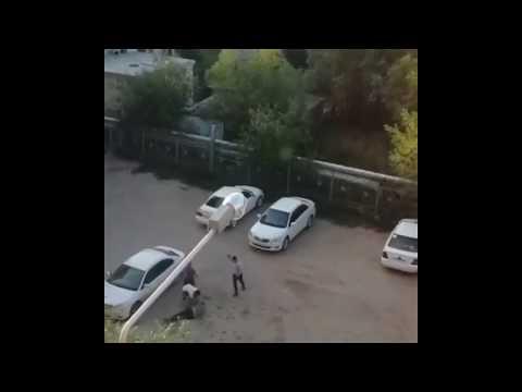 В Якутии пассажиры отказались платить за проезд и избили таксиста камнями