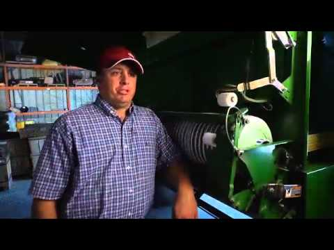 John Deere B-Wrap 800 serie - film på YouTube