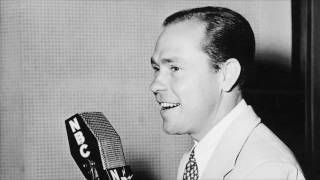 A Fella With An Umbrella (1948) - Johnny Mercer