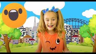 Sasha plays in Halloween with Kids Make up and Mermaids