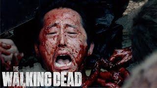Swarmed by Walkers   The Walking Dead Classic Scene