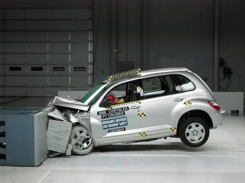 2008 Chrysler PT Cruiser Overlap IIHS Crash Test