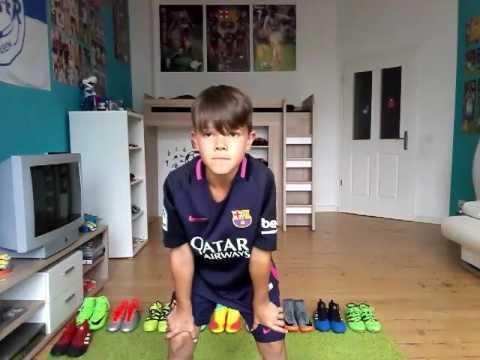 Ich (Alessio) zeige meine Fußballschuhe :Nike Mercurial,Nike Magista und meine Adidas ☺