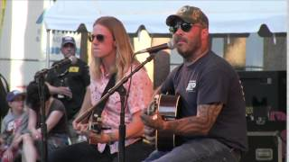 "Aaron Lewis Singing ""The Story Never Ends"""