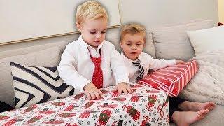 CHRISTMAS EVE SIBLING GIFT EXCHANGE!