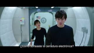 THE SPACE BETWEEN US  Kendra Chat Clip Subtitled/En Español In Theaters February 3 2017