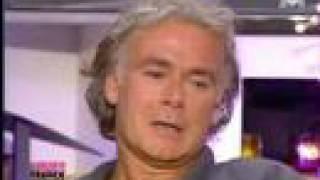 """Video thumbnail of """"Franck Dubosc ému par la chanson de Daniel Guichard"""""""
