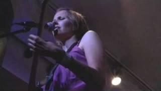 Alanis Morissette - A man - Alanis Jam