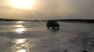 preview picture of video 'TOYOTA PRADO Drifting (on ice)'