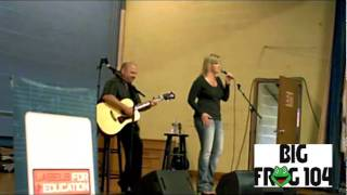 "Trisha Yearwood Performs ""She's In Love With The Boy"" at St. Mary's Catholic School"