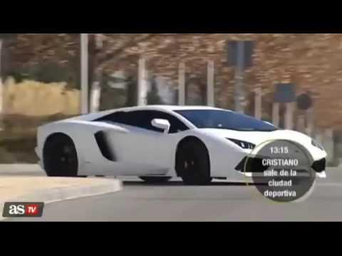 Cristiano Ronaldo trổ tài lái lụa sau vô lăng siêu xe Lamborghini Aventador