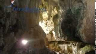 preview picture of video 'Come with us into Quiocta Cavern - Trekking Peru'