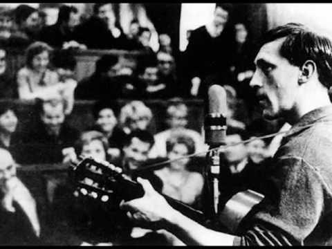 Il cantante al microfono