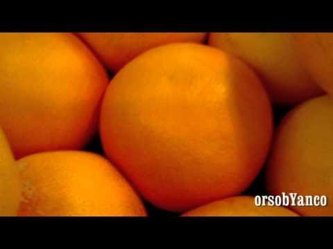 Vegetale smuza per perdita di peso nelle ricette di frullatore con una fotografia