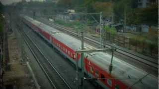 preview picture of video 'August Kranti Rajdhani Departure From Borivali'