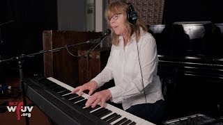 """The Jayhawks - """"Everybody Knows"""" (Live at WFUV)"""