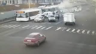 MOMENT ŚMIERTELNEGO WYPADKU Z UDZIAŁEM AUTOBUSÓW 26.03.19 Wideo