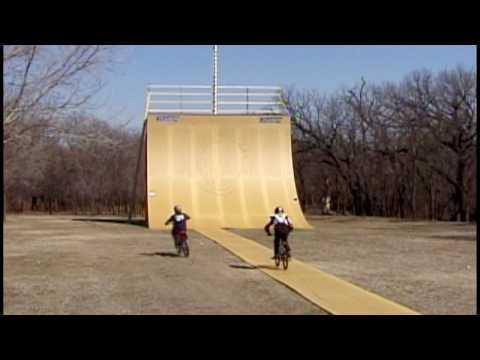 Video trailer för The Birth Of Big Air Trailer Mat Hoffman BMX