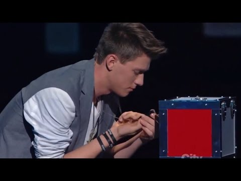 Americas Got Talent Finalist MAGICIAN USES TWITTER TO PREDICT THE FUTURE   Collins Key (видео)